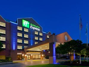 holiday-inn-express-hanover-4039140321-4x3